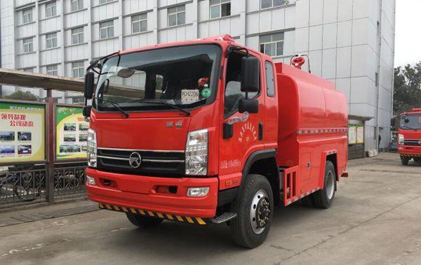 凯马四驱5吨越野森林消防洒水车