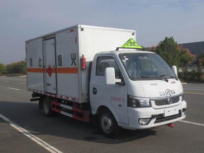 国六东风途逸柴油易燃气体厢式运输车