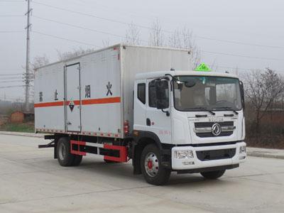 国六东风10吨腐蚀性物品厢式运输车