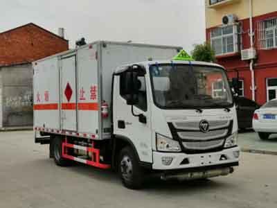 国六福田欧马可1吨易燃液体厢式运输车