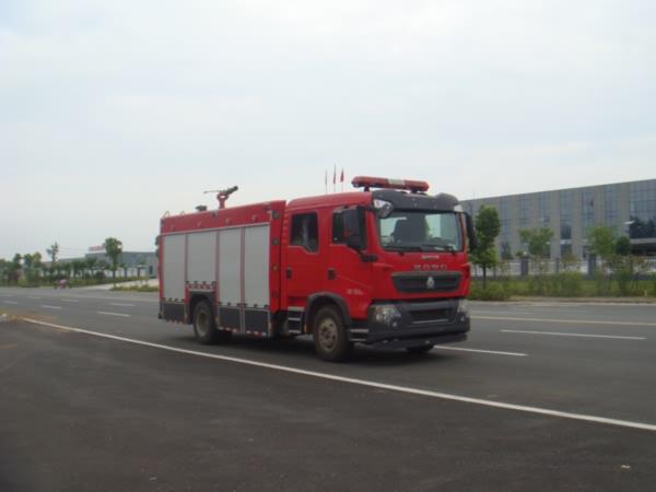 国五重汽T5G消防车.jpg