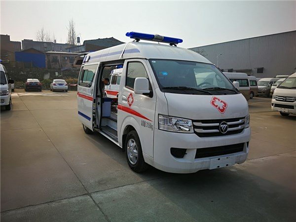 福田G7平顶短轴救护车